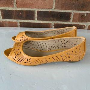 New Nicole yellow peep toe flats